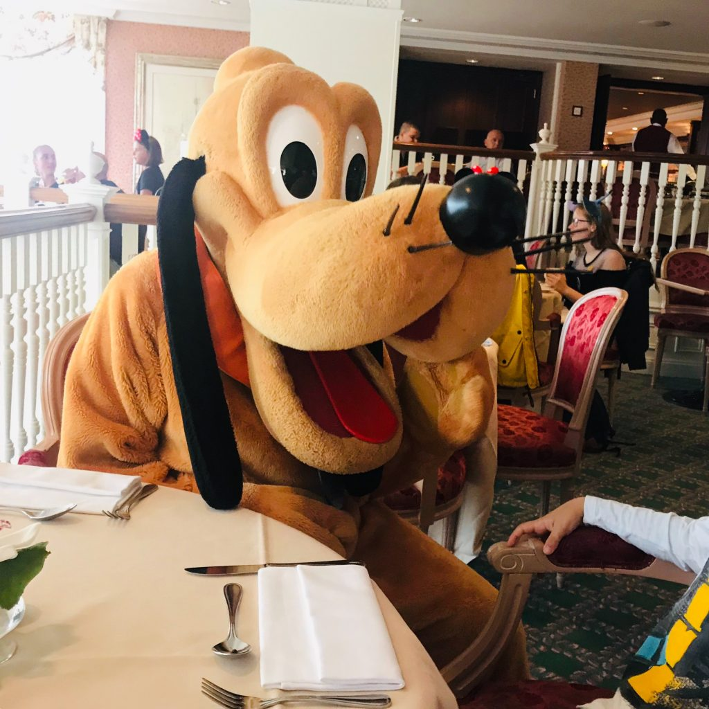Desayuno con personajes Disney