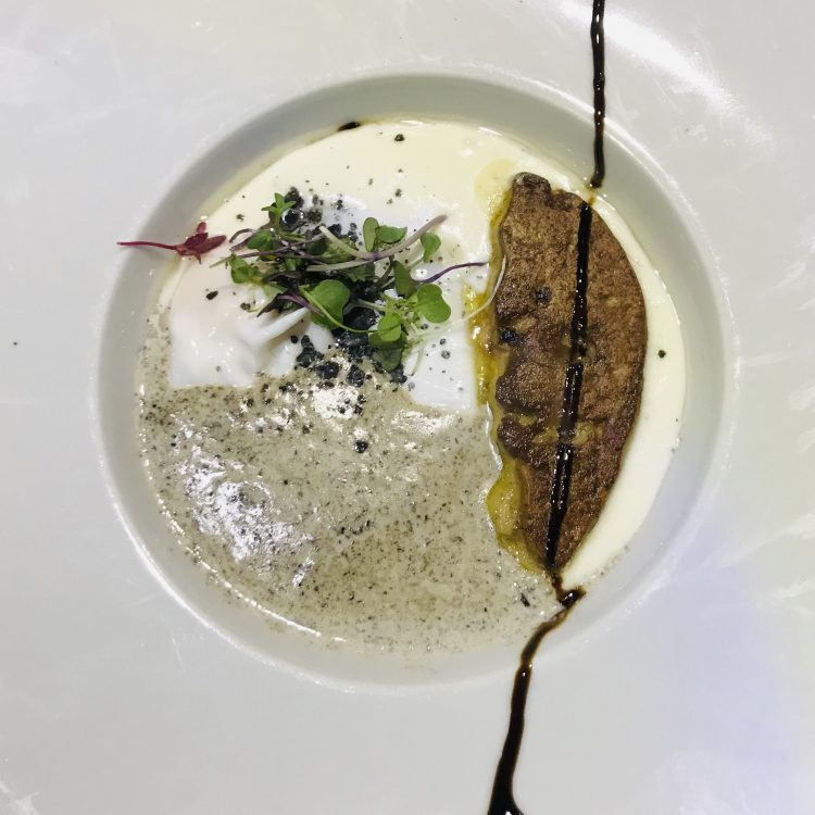 Huevo trufado de Touché Murcia