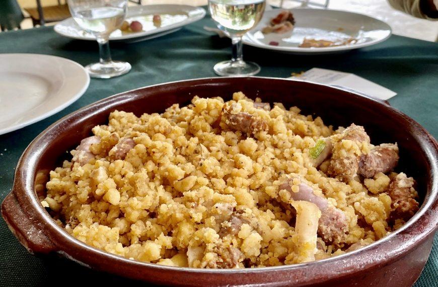 Restaurante El Mochuelo en Murcia, migas en su terraza