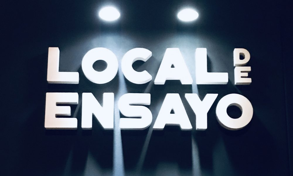 Restaurante Local de Ensayo