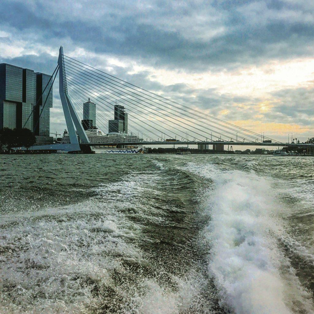 Taxi barco Rotterdam que hacer en Holanda